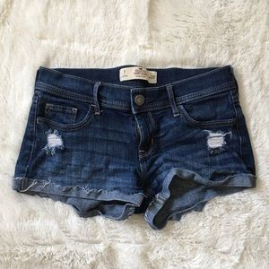 SALE✨Hollister Low Rise Short Shorts